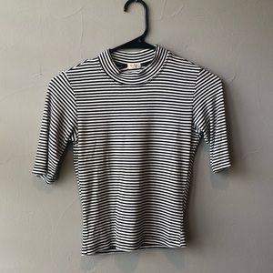 Brandy Melville cropped shirt!